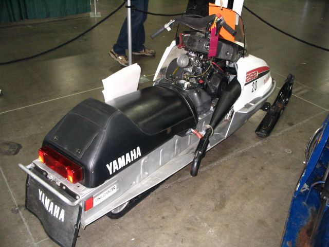 Yamaha_Race_Rear_036